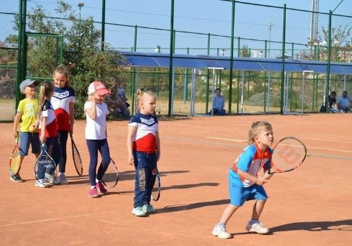 Отдых в Крыму с детьми с детским теннисом