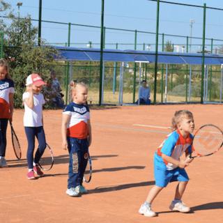 Для детей в Аквамарине Школа большого тенниса